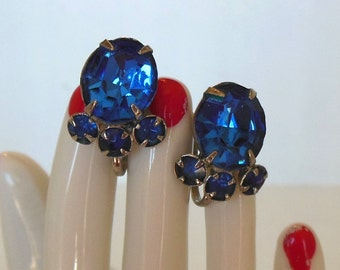 Vintage Screw Back Earrings Rhinestones Blue Silver Oval Rounds 50's (item 247)
