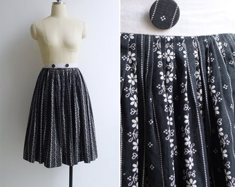 10-25% OFF Code In Shop - Vintage 50's Black Floral Stripe Full Swing Cotton Skirt XS