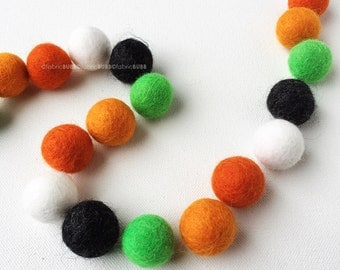 Witch's Party Felt Balls, Halloween Felt Ball Set, Felt Balls, 25 Pieces Wool Felt Balls