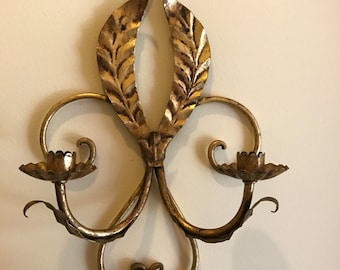 Vintage 1960s Gilt Gold Tole Florentine Italian Candle Sconce w/ Acanthus Leaf Scrolls Hollywood Regency Style Made in Italy 3 Candle Holder