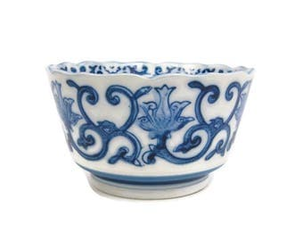 Vintage Asian Rice Bowl Blue and White Footed Ming Style Bowl Scalloped Edges Cobalt Blue Floral and Vines Porcelain Chinese Planter