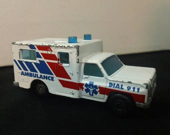 Vintage 90s Matchbox Chevy Ambulance ~ loose 1:64 scale diecast toy emergency vehicle
