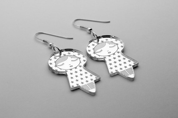Stars dolls earrings - cute doll earrings - matriochka jewelry - kokeshi jewellery - sterling silver findings - lasercut mirror acrylic