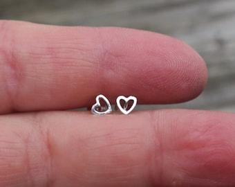 Cute Vintage 4mm 925 Sterling Silver Open Heart Studs
