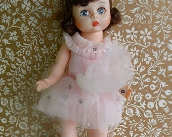 """VINTAGE 8"""" Madame Alexander BALLERINA DOLL in frothy pink tutu, tights and pink satin ballet shoes"""