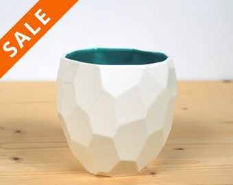 Modern ceramic cup handmade in polygons - facetted design Poligon Cup - bright color tableware - squared tableware - fresh - Emerald Green
