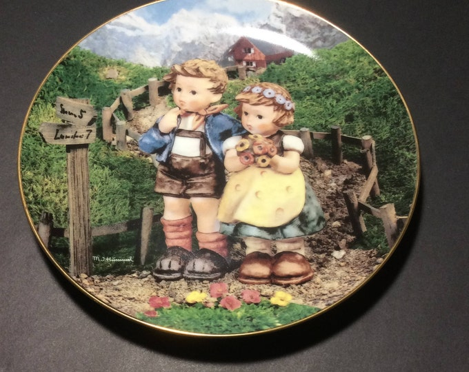 MJ Hummel country crossroads little companions collectors plate, Hummel plates all original paperwork and box, Hummel collectors,