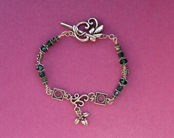 Silver Holly bracelet, Holly & Ivy Jewellery, Green beaded bracelet,  Holly Berries Jewellery, Emerald Green Bracelet, Dark green jewellery