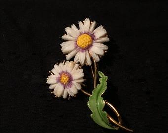 Lovely Vintage Signed Lisner Flower Brooch Pin