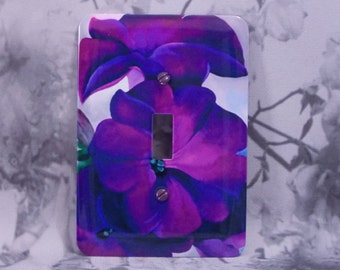 Metal OKeeffe Switch Wall Cover - 1T Single Toggle - Petunias 1925 - Flower Toggle