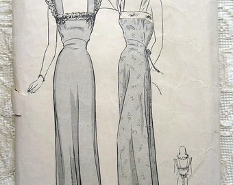 """Vintage 40s Pretty, Feminine Nightgown. Butterick 2356 Bust 36"""" Size 18"""