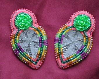 Beaded earrings with resin focal