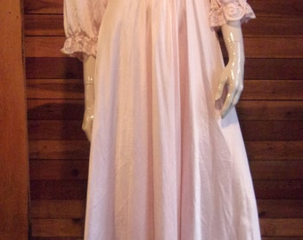 Vintage Lingerie 1970s OLGA Pink Size Large Sweep Nightgown 92470