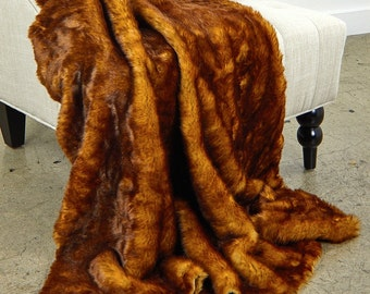 Luxurious Tip Dyed Red Fox Faux Fur Throw Blanket  - Reddish Brown Tip - Silky Soft Minky Cuddle Fur Back - Fur Accents Designs USA
