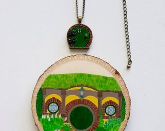 Lord of the Rings The Hobbit Inspired Hobbiton Hand Painted Wood Disc and Fairy Door Locket Gift Set