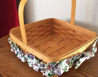 Longaberger Classic Pie Basket with Floral Fabric Trim  Signed 1996