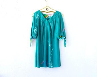 Vintage 70s 80s Boho Hawaii Dress // Blue Green Aloha Hawaiian Muumuu Dress