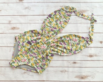 Swimsuit High Waisted Vintage Style One Piece  Retro Pin-up Maillot - Pretty Yellow  White Floral Print Bohemian Bathing Suit Swimwear