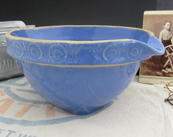 "Antique Yellowware Blue Molded Batter Mixing Bowl with Spout - McCoy - 9"" - Stoneware Primitive Farmhouse Decor"