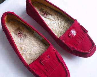 Hot Rose Pink UGG SuEDe leather moccasin flats / shearling lined slippers suede leather fringe moccasins - genuine sheepskin