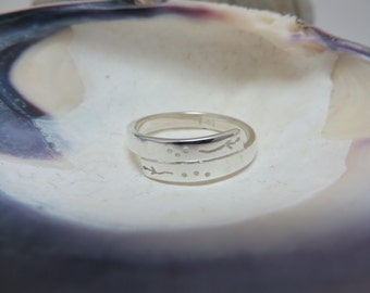 Finely chiseled sterling silver ring