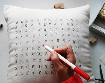Cojín sopa de letras, cojín juego, regalo personalizado, mensaje secreto, cojín juego personalizado, crea tú sopa de letras, crea tu cojín