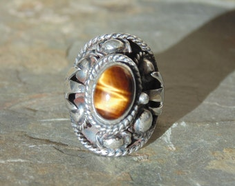 Vintage Taxco Sterling Silver and Tigers Eye Poison Ring - Size 7.25
