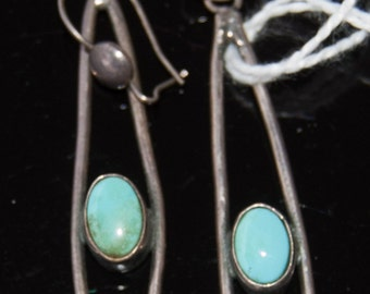 Vintage Native American earring with fine blue-green turquoise stones
