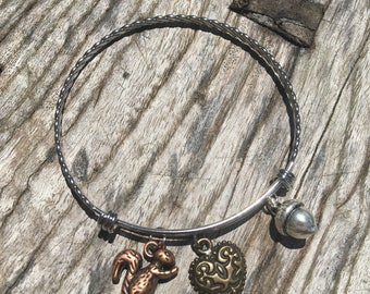 SQUIRREL Bangle Bracelet | Woodlands Jewelry | Chipmunk Bracelet | Squirrel Bracelet | Stackable Bangle Bracelet | Stainless Twist Bangle