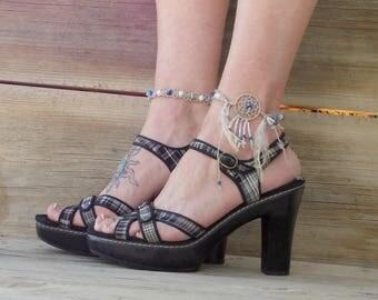 Hemp dream catcher anklet, ankle bracelet, blue beaded dreamcatcher foot jewelry, boho anklet, bohemian style jewelry, white howlite beads