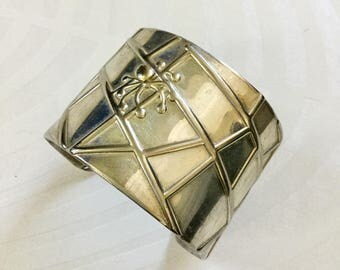 Vintage STERLING SPIDER WEB CuFF sterling silver wide bracelet repousse web Dimensional Spider atop adjustable marked