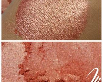 Dulcinea - Golden Pink Eyeshadow Pigment - ili