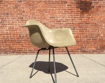 Herman Miller | Rope Edge Greige Arm Shell Zenith | Mid Century Eames