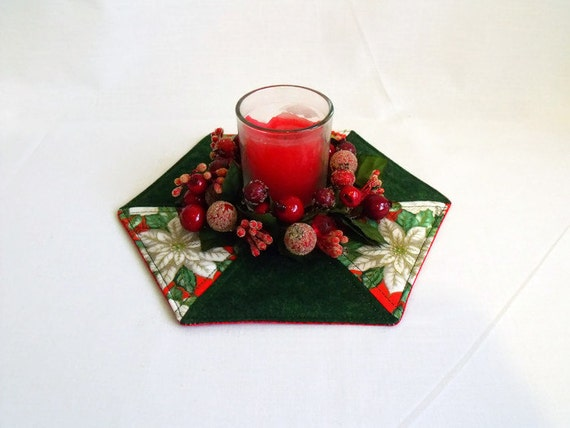 christmas table centre piece, festive candle holder, quilted candle mat, green and red poinsettia fabric