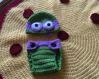 Crochet Ninja Turtle hat and diaper cover with pizza blanket |Newborn photography| Sizes: Newborn to 6-12 months| Made to Order