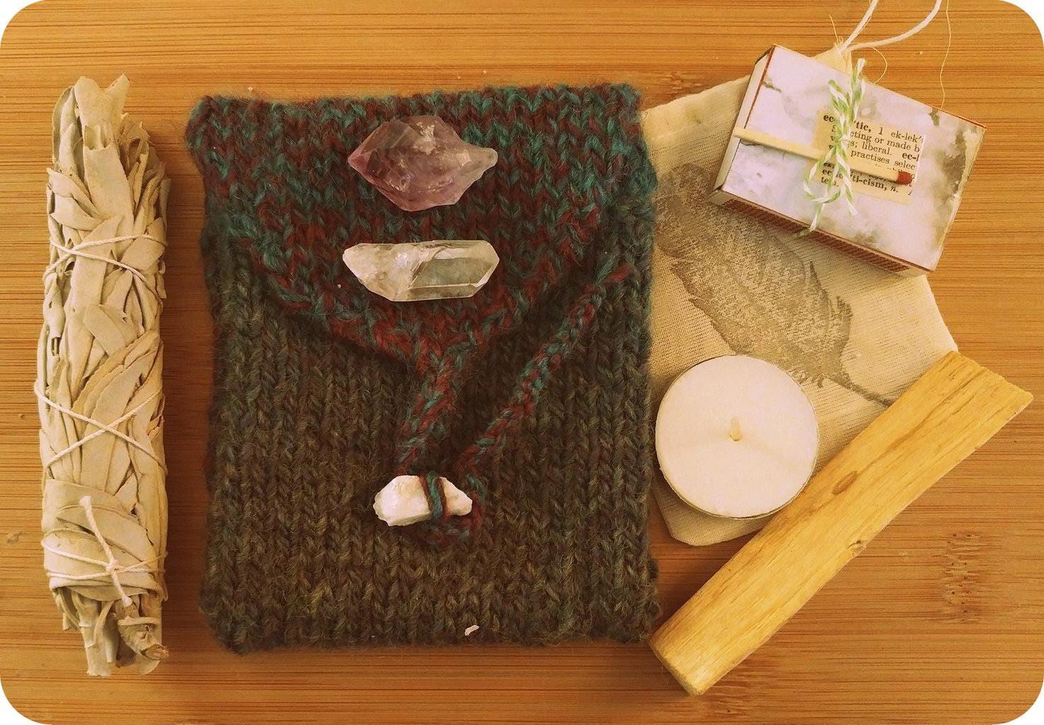 Knit Pattern Tarot Bag : Tarot Kit // Tarot Card Knit Bag
