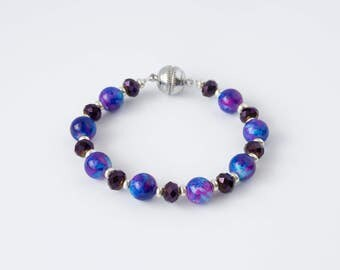 Purple and Silver Beaded bracelet with magnetic clasp