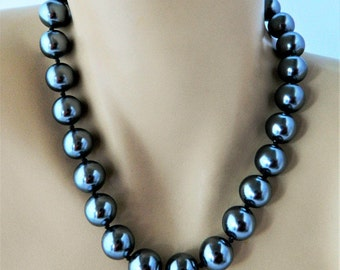 """Vintage Monet Chunky Faux Pearl Statement Necklace Gray Adjustable Signed Retro Costume Jewelry 18"""""""