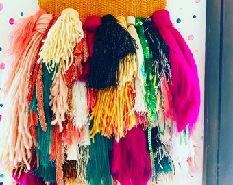 Colorful// Weaving // Texture // Tapestry // Fringe// Wall Hanging