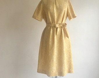 1970s Vintage Baroque Faux Flocked Dress Size Large XL