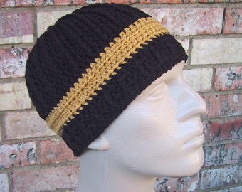 Beanie in Team Colors - Black & Gold - Pittsburg Steelers or New Orleans Saints - Mens Size S/M Acrylic Yarn - Warm Winter - Nice Gift
