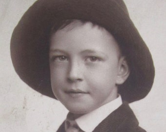 Do Ya Like My Hat - Adorable 1915 Little Boy Sports A Large Hat Studio Photo - Free Shipping