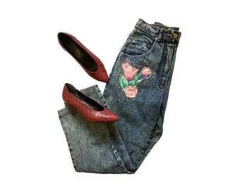"1980s acid wash High Waisted Flower Embroidered Mum Jeans // size eu 36- uk 8- us 4 // 26"" waist"