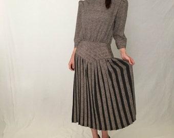 Vintage pleated skirt drop waist dress/80s does 40s dress/30s 20s 1930s dress women L 1940s dress day long sleeve downton abbey grey dropwai