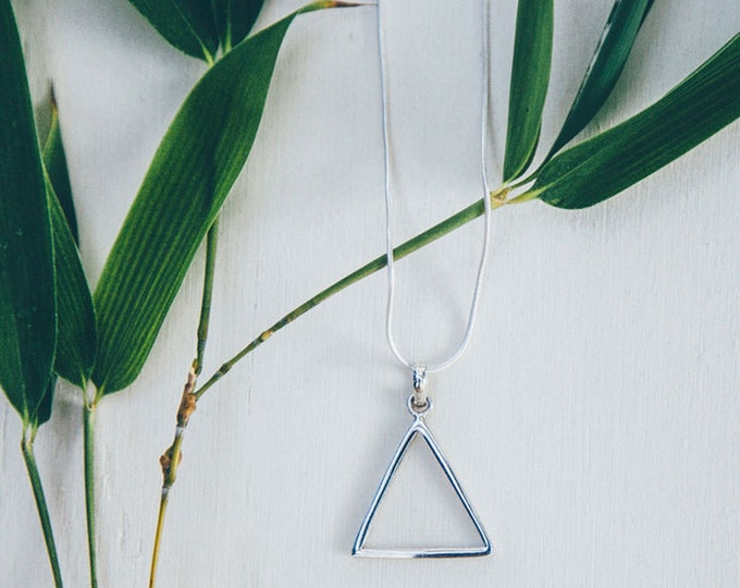 Silver triangle necklace / Silver jewelry gift / minimalist necklace / triangle pendant / gift for women / womens gift / birthday gift