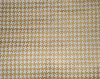 BTY Metallic Gold on White HOUNDSTOOTH Print 100% Cotton Quilt Crafting Fabric by the Yard