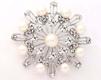 Rhinestone Pearl Brooch, Crystal Wedding Brooches, Diamante Bridal Brooch, Bridesmaid Dress Sash Crystal Silver Brooch, Pearl Broaches