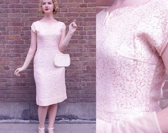 Vintage Soft Pink 50s Lace Wiggle Dress M // Vtg Fifties Pink Flower Wedding Party Dress Medium