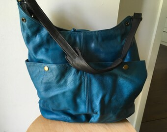 Convertible soft shoulder tote bag, Super soft genuine leather tote, Crossbody and shoulder strap, slouchy, tote made from genuine leather.