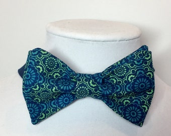 Blue Bow Tie, Mens Bow Tie, Blue Green Bow Tie, Royal Blue Tie, Blue Lime Bow Tie,  Boys Bow Tie, Ring Bearer Bow Tie, Clip-on Bow Tie